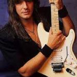 Richie Sambora, energía y elegancia para «atacar» a una Fender