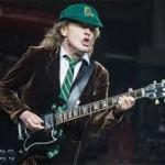 Angus Young o, mejor dicho, ANGUS YOUNG,  «el trueno de Glasgow»